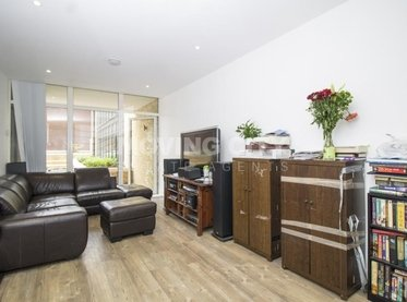 Apartment-for-sale-Isleworth-london-211-view1