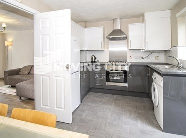House-to-rent--london-2450-view1