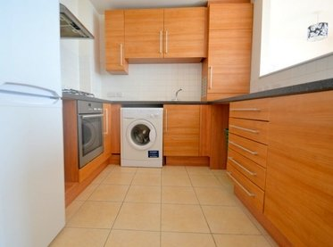 Apartment-to-rent-Aldgate East-london-1260-view1