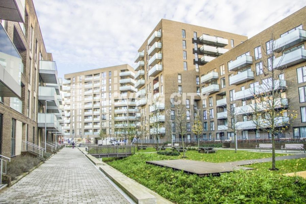 Apartment-for-sale-Poplar-london-446-view1