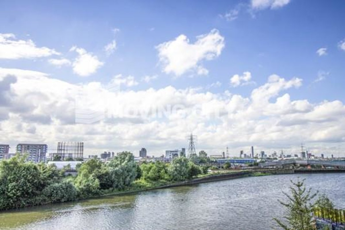 Apartment-for-sale-Canning Town-london-225-view3