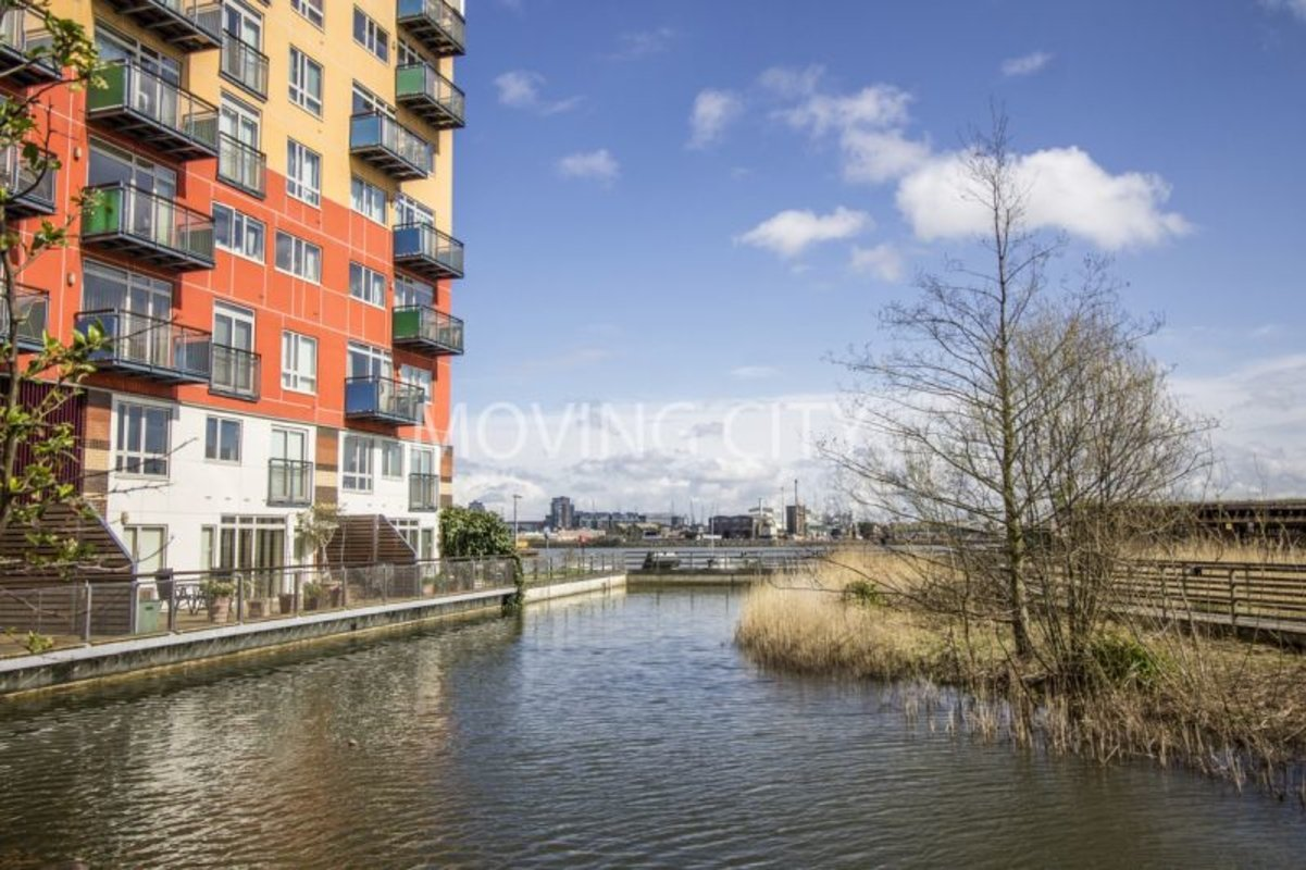 Apartment-let-agreed-North Greenwich-london-584-view6
