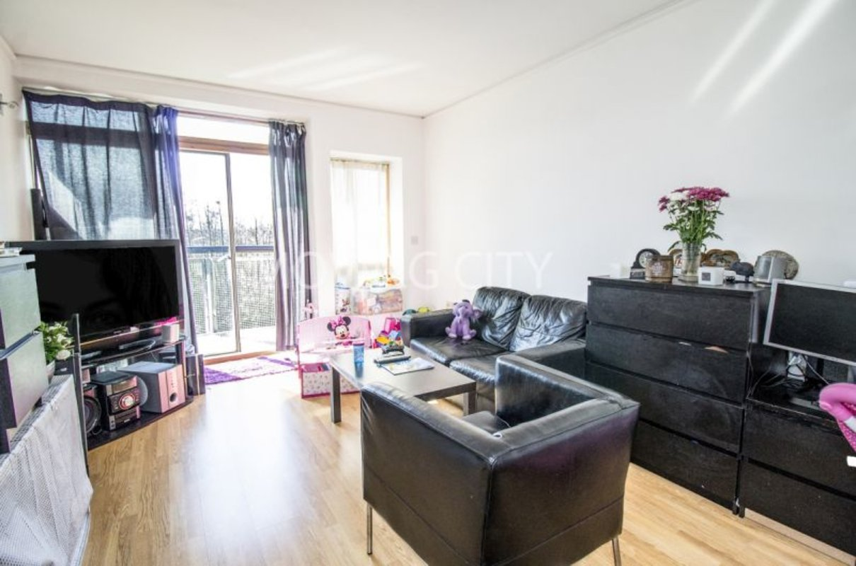 Apartment-let-agreed-North Greenwich-london-584-view1
