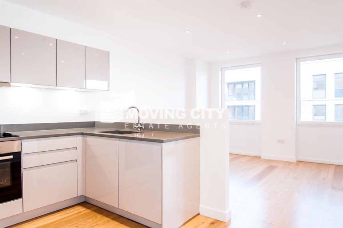 Apartment-let-agreed-Southall-london-1125-view2