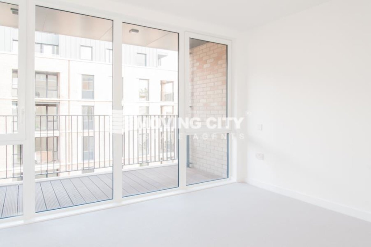 Apartment-let-agreed-Southall-london-1125-view3