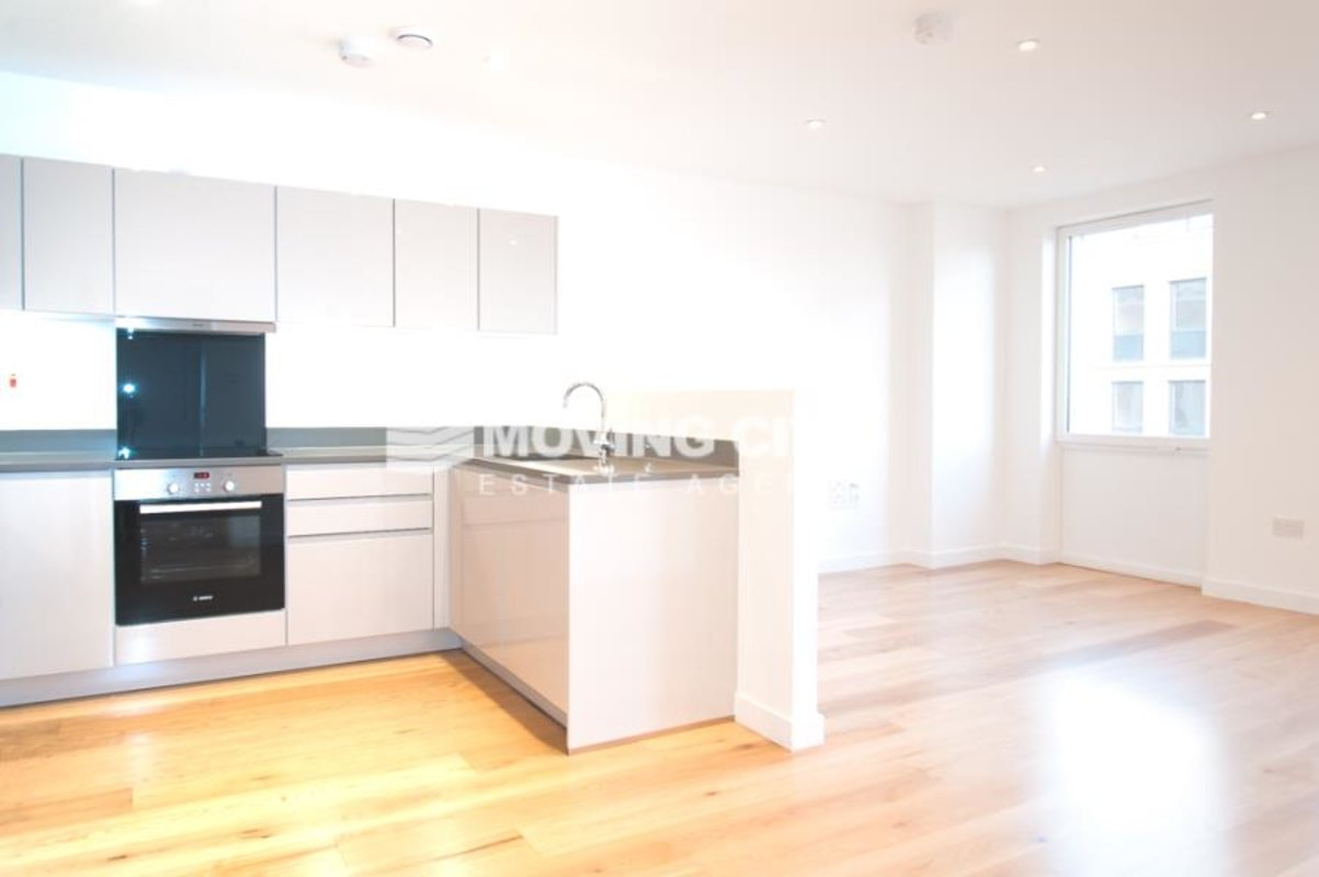 Apartment-let-agreed-Southall-london-1125-view1